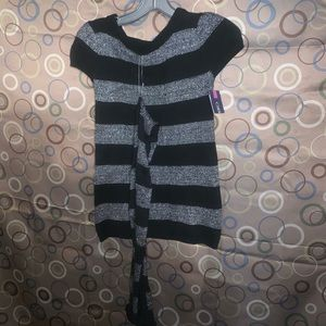 Cherokee Size Size Small Girls Sweater with scarf